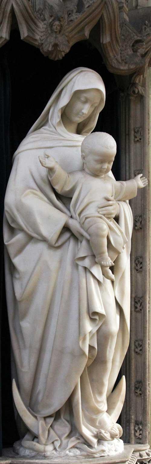 Foto: Our Lady, Mother of Help, St. Cuthbert's chapel, Ushaw. Udført i 1855 af Karl Hoffman. Foto venligst udlånt af Fr. Lawrence O.P./ Flickr (beskåret).